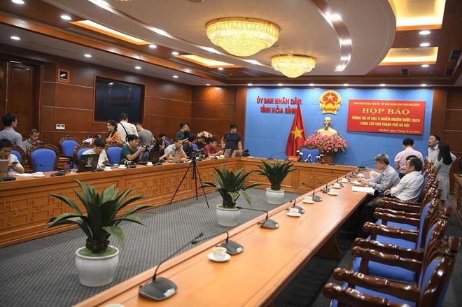 Hòa Bình họp báo vụ ô nhiễm nước sạch sông Đà: Đã khởi tố vụ án hình sự - Ảnh 17.