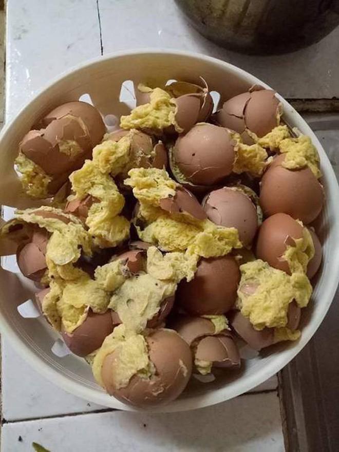 Cô gái học theo trên mạng làm món trứng hấp và cái kết khiến nhiều người chỉ muốn 'buông bát đũa' - ảnh 7