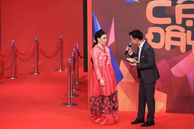 Hồ Quỳnh Hương: Tôi sợ quá, mới bảo quản lí, thôi gọi điện hủy show đi - Ảnh 1.