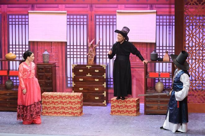Hồ Quỳnh Hương: Tôi sợ quá, mới bảo quản lí, thôi gọi điện hủy show đi - Ảnh 3.