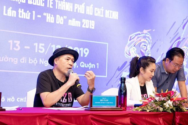 Lễ hội Âm nhạc Quốc tế TPHCM lần thứ nhất: Chỉ có Thu Minh, Hồ Ngọc Hà được mời? - Ảnh 1.