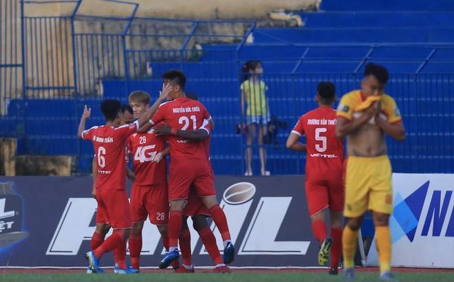 Thua trận thứ 7 liên tiếp, Thanh Hóa tranh vé play-off cùng S.Khánh Hòa