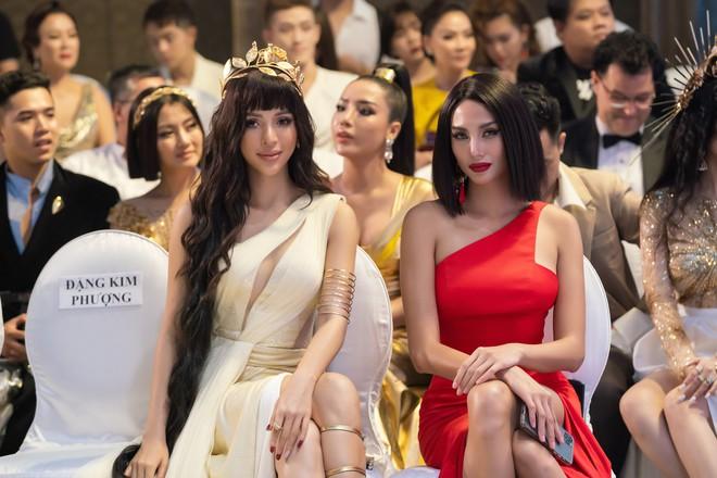 Khả Trang tái xuất sau tai nạn nghiêm trọng, H'Hen Niê gây chú ý với hình tượng lạ lẫm - ảnh 6