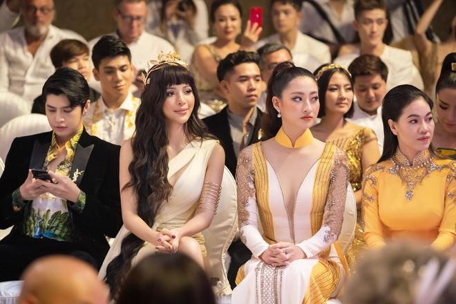 Khả Trang tái xuất sau tai nạn nghiêm trọng, H'Hen Niê gây chú ý với hình tượng lạ lẫm - ảnh 5