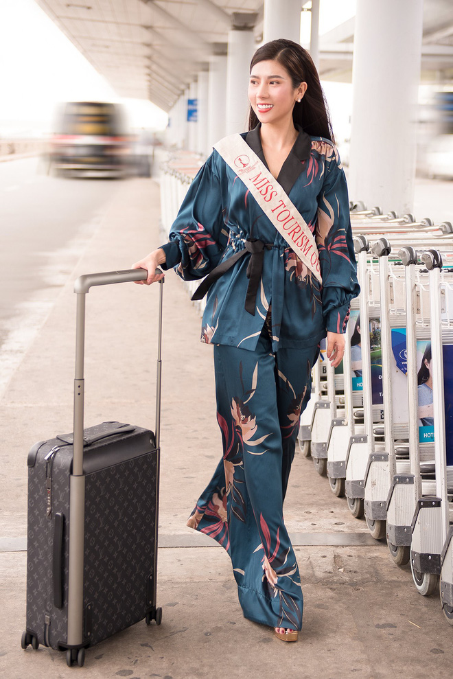 Dương Yến Nhung mang 120kg hành lý dự thi Hoa hậu du lịch thế giới - Ảnh 1.