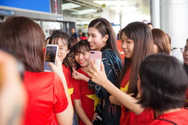 Dương Yến Nhung mang 120kg hành lý dự thi Hoa hậu du lịch thế giới - Ảnh 9.