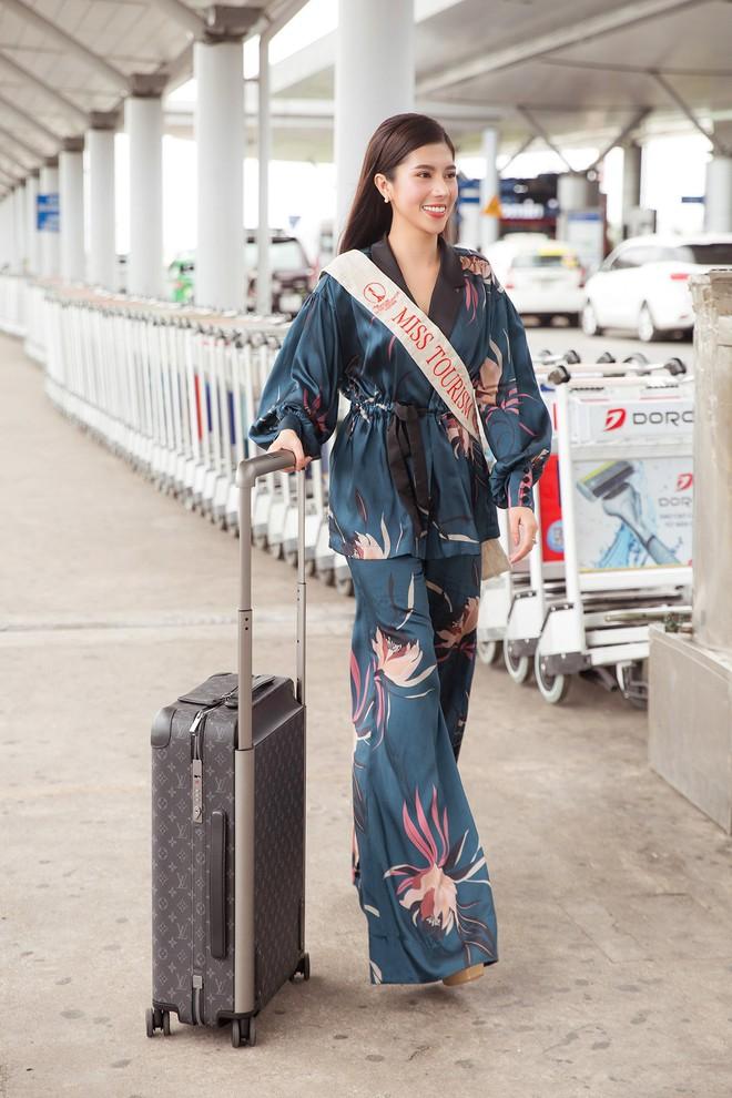 Dương Yến Nhung mang 120kg hành lý dự thi Hoa hậu du lịch thế giới - Ảnh 2.