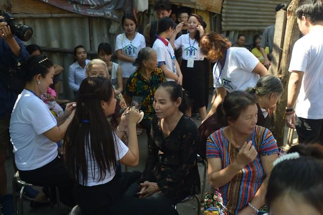 Sàn catwalk có một không hai ở Hà Nội: Thông điệp sâu sắc cho ngày Phụ nữ Việt Nam - Ảnh 5.