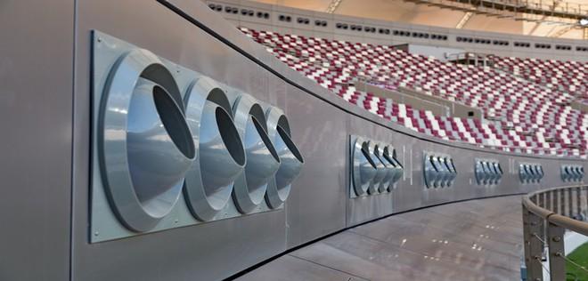 Thời tiết nóng 50 độ C, Qatar lắp đặt luôn hệ thống điều hòa khồng lồ ngoài trời để người dân thấy mát mẻ hơn - Ảnh 5.