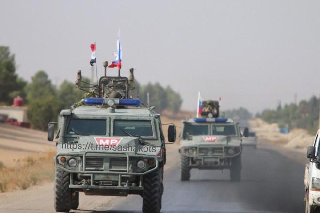 Thổ Nhĩ Kỳ chịu tổn thất lớn đầu tiên ở Syria - Tàu chiến Nga ồ ạt phóng tên lửa Kalibr tới sát biên giới Israel? - Ảnh 20.