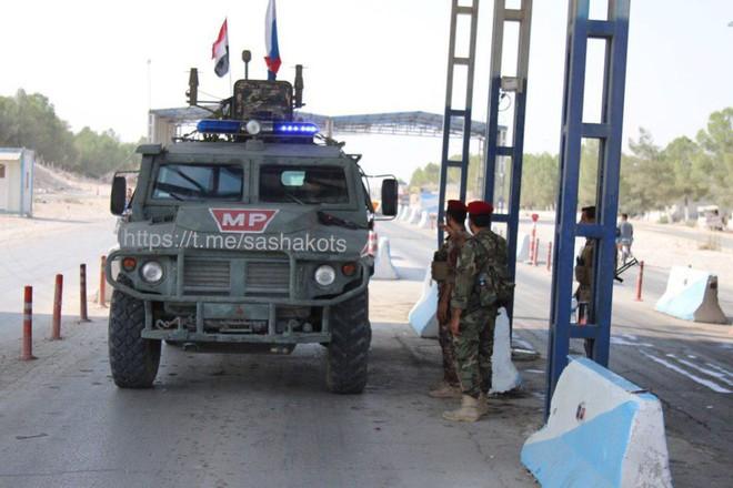 Thổ Nhĩ Kỳ chịu tổn thất lớn đầu tiên ở Syria - Tàu chiến Nga ồ ạt phóng tên lửa Kalibr tới sát biên giới Israel? - Ảnh 21.