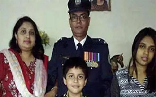 Bức ảnh gia đình hạnh phúc bỗng hóa rùng mình khi con gái trở thành hung thủ giết bố mẹ, khiến em trai tận mắt chứng kiến mẹ bị sát hại
