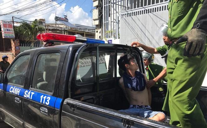 9X bán hủ tiếu bị người đàn ông dùng dao doạ cướp nửa triệu đồng ở Sài Gòn
