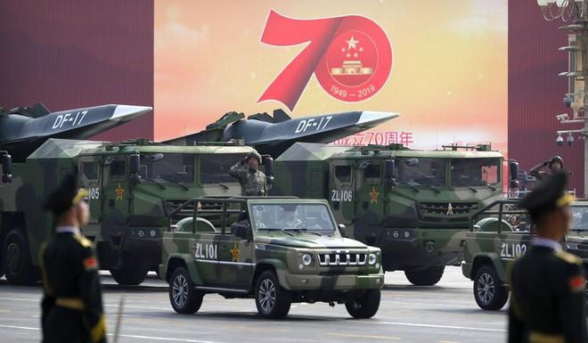 6 vũ khí kỳ lạ Trung Quốc tiết lộ trong lễ duyệt binh: Thứ chưa nước nào có, thứ như đồ tiêu khiển - Ảnh 1.