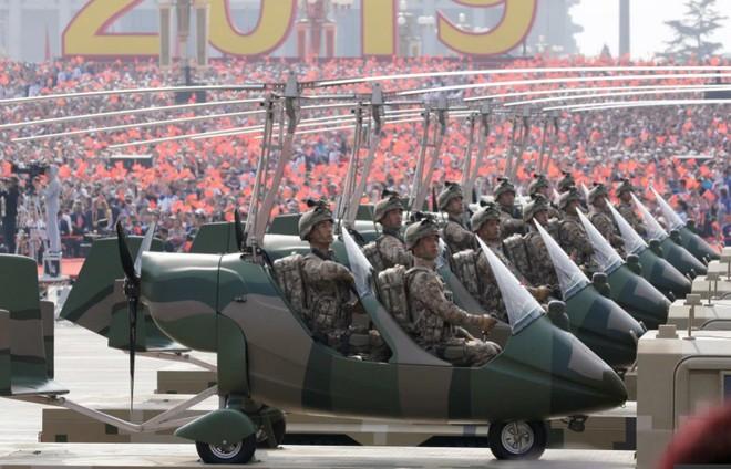 6 vũ khí kỳ lạ Trung Quốc tiết lộ trong lễ duyệt binh: Thứ chưa nước nào có, thứ như đồ tiêu khiển - Ảnh 7.