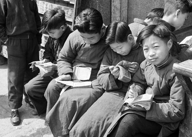 Hình ảnh Trung Quốc 70 năm trước: Những khoảnh khắc còn ám ảnh cho tới ngày nay - Ảnh 5.