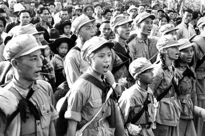 Hình ảnh Trung Quốc 70 năm trước: Những khoảnh khắc còn ám ảnh cho tới ngày nay - Ảnh 18.