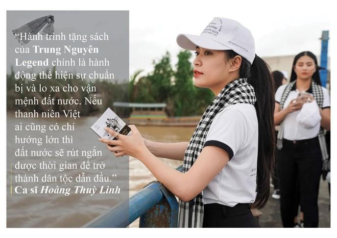 Những câu nói ấn tượng của người đẹp Việt khi tặng sách tại Đồng bằng Sông Cửu Long - Ảnh 11.