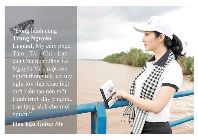 Những câu nói ấn tượng của người đẹp Việt khi tặng sách tại Đồng bằng Sông Cửu Long - Ảnh 3.