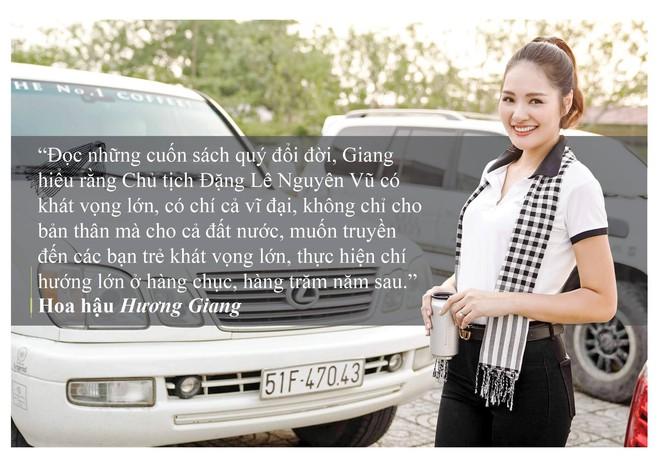Những câu nói ấn tượng của người đẹp Việt khi tặng sách tại Đồng bằng Sông Cửu Long - Ảnh 5.