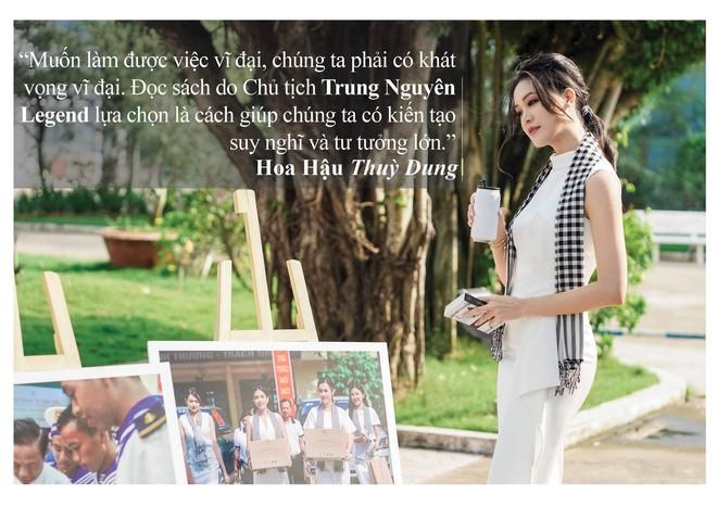 Những câu nói ấn tượng của người đẹp Việt khi tặng sách tại Đồng bằng Sông Cửu Long - Ảnh 7.