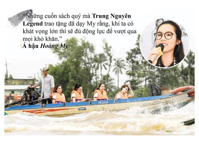 Những câu nói ấn tượng của người đẹp Việt khi tặng sách tại Đồng bằng Sông Cửu Long - Ảnh 9.