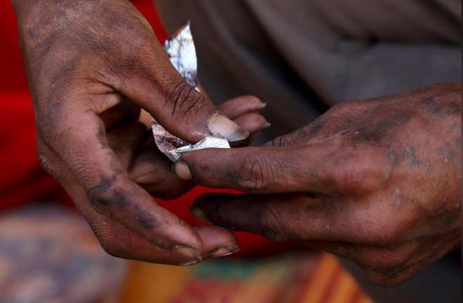 [HỒ SƠ] Truy nã trùm ma túy châu Á kiếm 17 tỷ USD/năm - Ảnh 2.