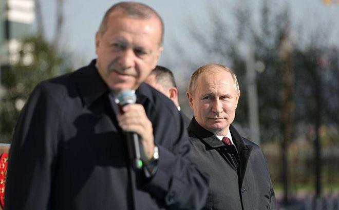 """Báo Mỹ: Tổng thống Erdogan định dùng """"bài của Putin"""" ở Syria, nhưng đã tính toán sai lầm?"""