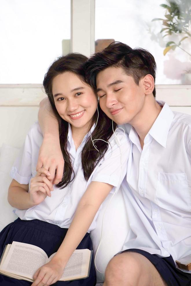 Con trai nuôi Minh Nhí chụp ảnh tình cảm với bạn gái xinh đẹp - Ảnh 2.