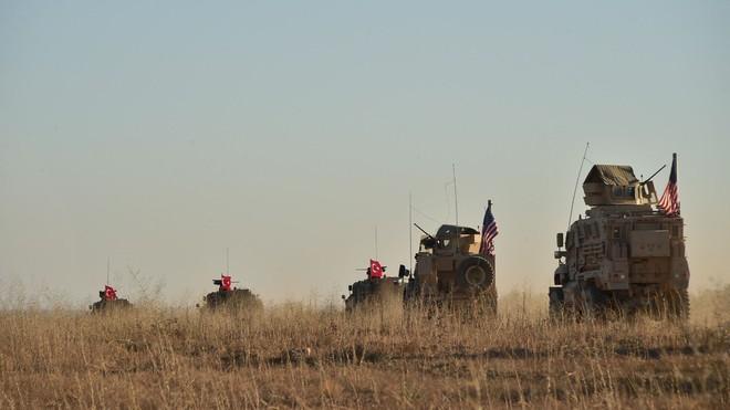 Mỹ phản bội đồng minh Kurd ở Syria khiến Ba Lan, Ukraine hốt hoảng: Chọn bạn mà chơi! - Ảnh 2.