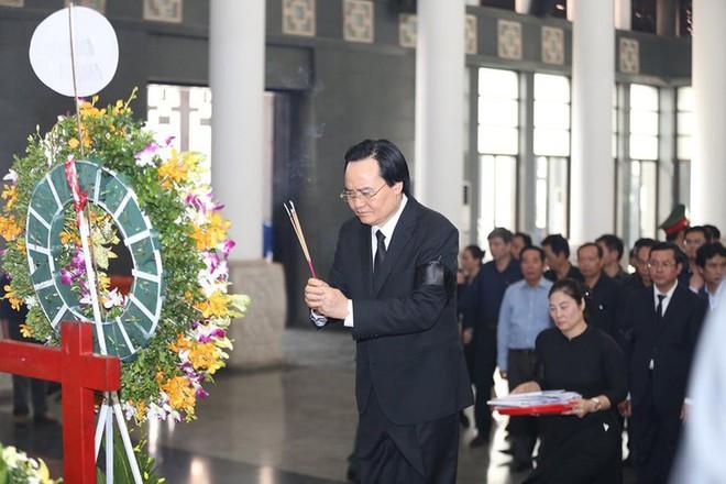 Dòng người nghẹn ngào tiễn biệt Thứ trưởng Lê Hải An - Ảnh 5.