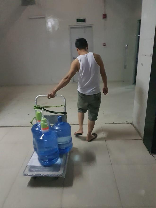 Toàn cảnh vụ đổ trộm dầu thải khiến người dân lao đao khát nước sạch - Ảnh 5.
