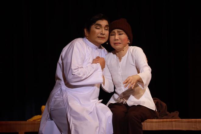 Thanh Kim Huệ, Chí Tâm diễn lại Lan và Điệp sau 45 năm - Ảnh 1.