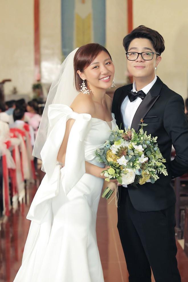 Văn Mai Hương gây bức xúc vì mập mờ chuyện kết hôn để PR - Ảnh 1.