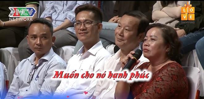 Bạn muốn hẹn hò: Người đàn ông 33 tuổi bật khóc sau một câu nói của mẹ dưới hàng ghế khán giả - ảnh 2