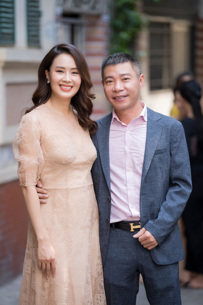 Diễn viên Hồng Diễm trách móc NSND Công Lý khi hội ngộ tại sự kiện - ảnh 3