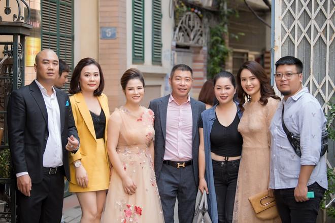 Diễn viên Hồng Diễm trách móc NSND Công Lý khi hội ngộ tại sự kiện - ảnh 8