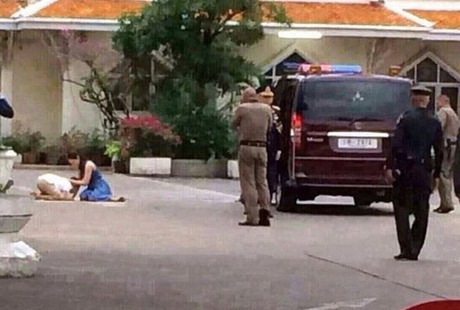 Bi kịch của cựu Vương phi Thái Lan bị phế truất: Nhận bạc tỉ nhưng phải từ bỏ con trai, cha mẹ 70 tuổi ngồi tù vì tham nhũng - Ảnh 4.