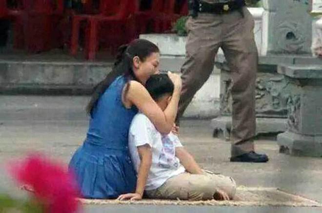 Bi kịch của cựu Vương phi Thái Lan bị phế truất: Nhận bạc tỷ nhưng phải từ bỏ con trai, cha mẹ 70 tuổi vẫn bị bỏ tù - ảnh 4