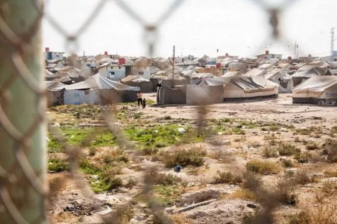 """Ám ảnh cuộc sống bên trong trại tị nạn """"địa ngục"""" ở Syria - ảnh 1"""