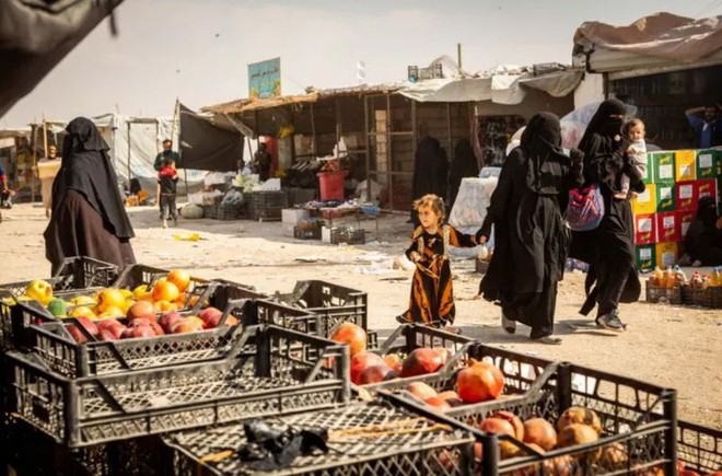 """Ám ảnh cuộc sống bên trong trại tị nạn """"địa ngục"""" ở Syria - ảnh 7"""