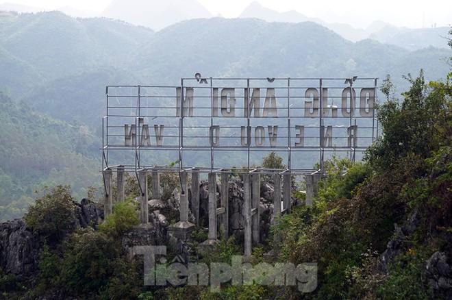 Cận cảnh siêu dự án Panorama phiên bản Đồng Văn bị đình chỉ - Ảnh 8.
