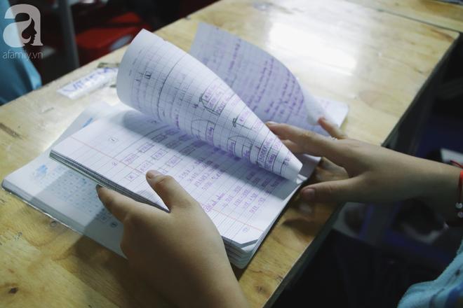 Chuyện về lớp học 0 đồng giữa Sài Gòn: Hai vợ chồng lấy tiền lương, bán vàng cưới để giúp trẻ em nghèo được học chữ - Ảnh 8.