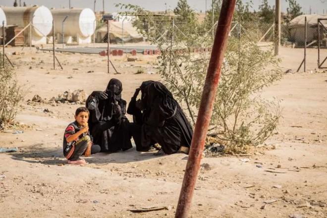 """Ám ảnh cuộc sống bên trong trại tị nạn """"địa ngục"""" ở Syria - ảnh 8"""