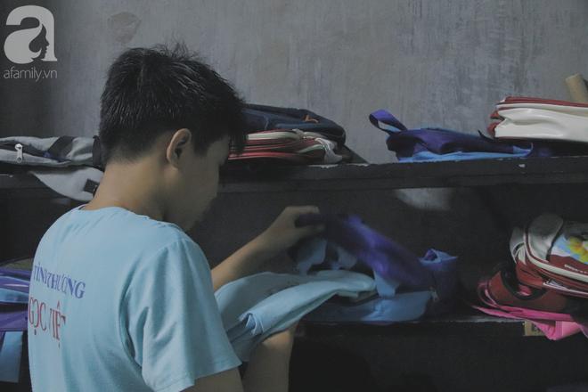 Chuyện về lớp học 0 đồng giữa Sài Gòn: Hai vợ chồng lấy tiền lương, bán vàng cưới để giúp trẻ em nghèo được học chữ - Ảnh 10.