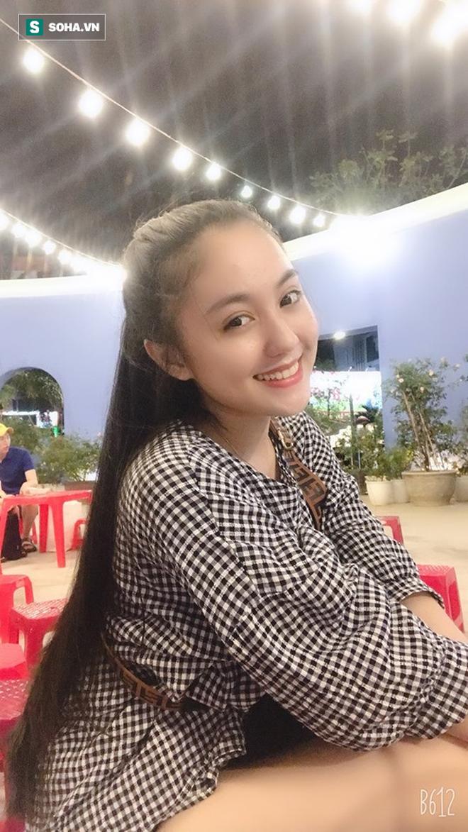 Thả dáng trong bộ áo dài trắng, nữ sinh 17 tuổi khiến bao người khen nét đẹp chuẩn hoa hậu - ảnh 6