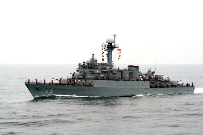Tàu hộ vệ Hàn Quốc mà Việt Nam vừa nhận có thể lắp tên lửa
