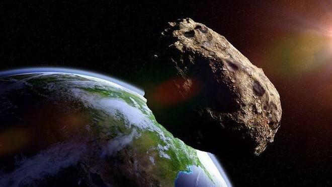Tiểu hành tinh có kích thước to gấp đôi tháp Eiffel sắp lướt qua Trái đất - Ảnh 2.