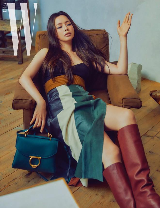 Hoa hậu Hàn Quốc Honey Lee U40 ngày càng đẹp rực rỡ - Ảnh 13.
