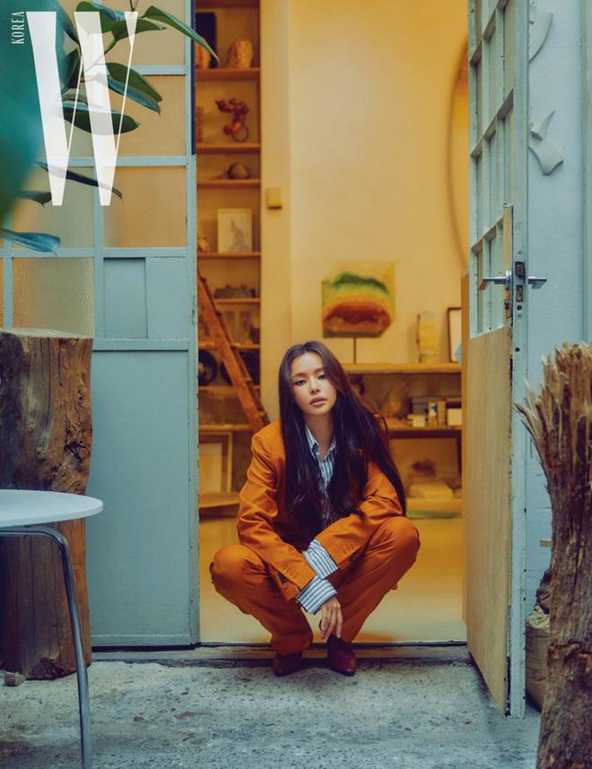 Hoa hậu Hàn Quốc Honey Lee U40 ngày càng đẹp rực rỡ - Ảnh 17.